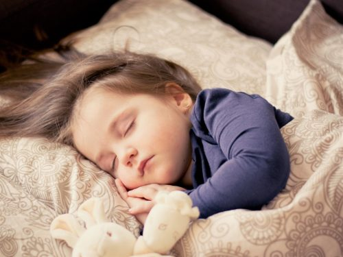 挿絵 眠る赤ちゃん