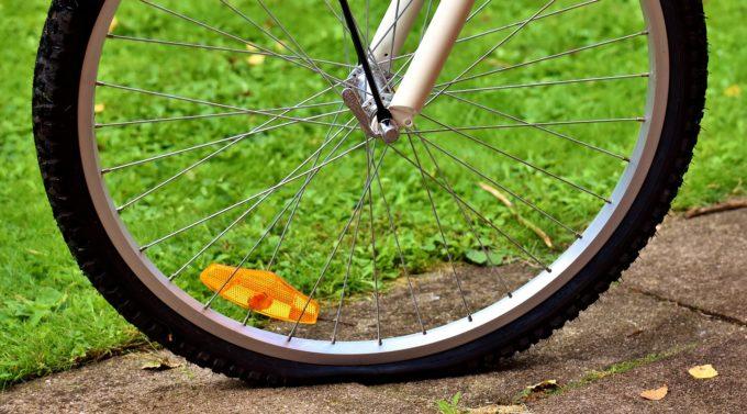 自転車のタイヤがパンク