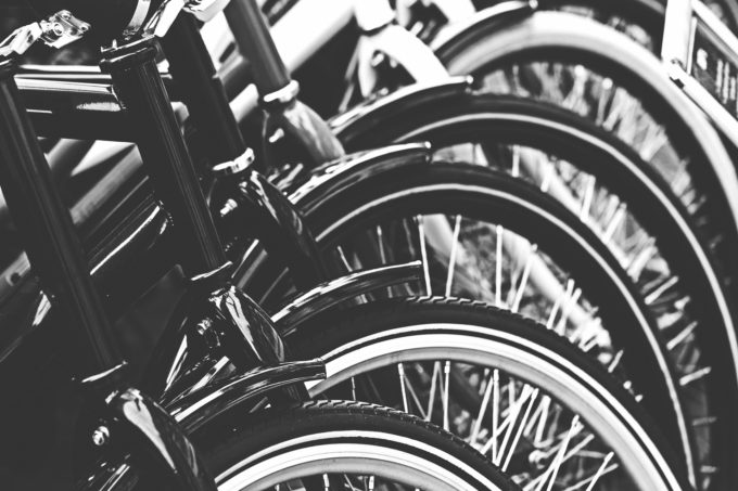 修理待ちの自転車